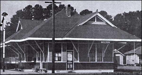 2013-0802-Train-MiltonDepot