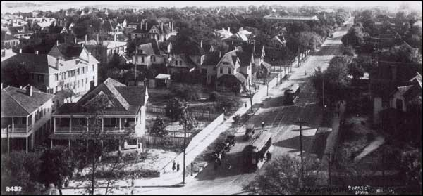2013-1008-Tampa-HydePark-1913