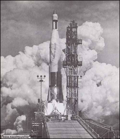 2013-1022-Rocket-CapeCanaveral
